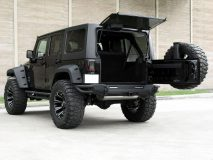 American_Custom_Jeep_BlackHawk_10