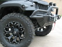 American_Custom_Jeep_BlackHawk_15