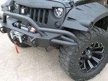American_Custom_Jeep_BlackHawk_16