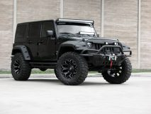 American_Custom_Jeep_BlackHawk_2