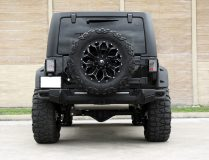 American_Custom_Jeep_BlackHawk_8